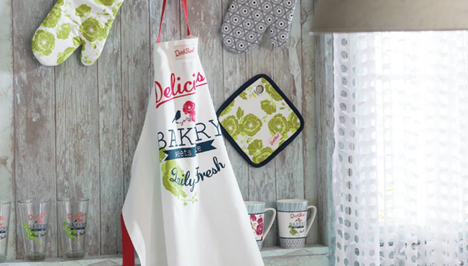 Praktische Kochschurzen Mit Schonen Motiven Finden Kika At